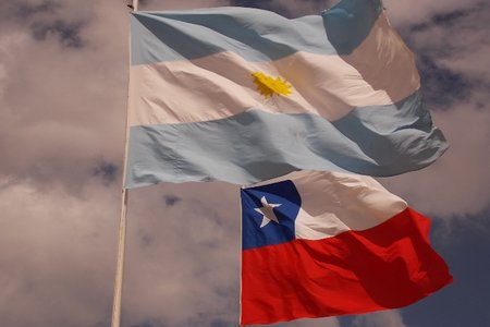 Canciller Heraldo Muñoz firmó nuevo tratado de libre comercio con Argentina